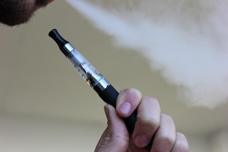Le Massachusetts a temporairement banni les cigarettes électroniques et les e-liquide