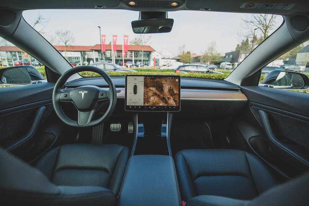 L'intérieur de la Tesla Model 3 est maintenant dépourvu de tout objet fait en cuir animal