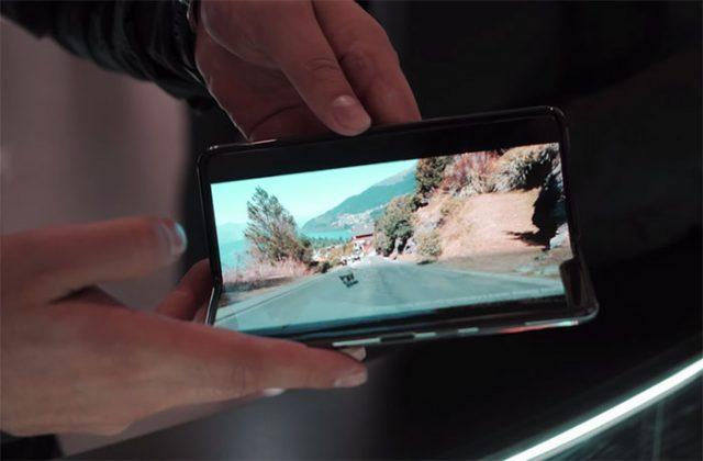 De Nouveaux Problèmes de Samsung, le Pliage de Téléphone — Galaxy Fold
