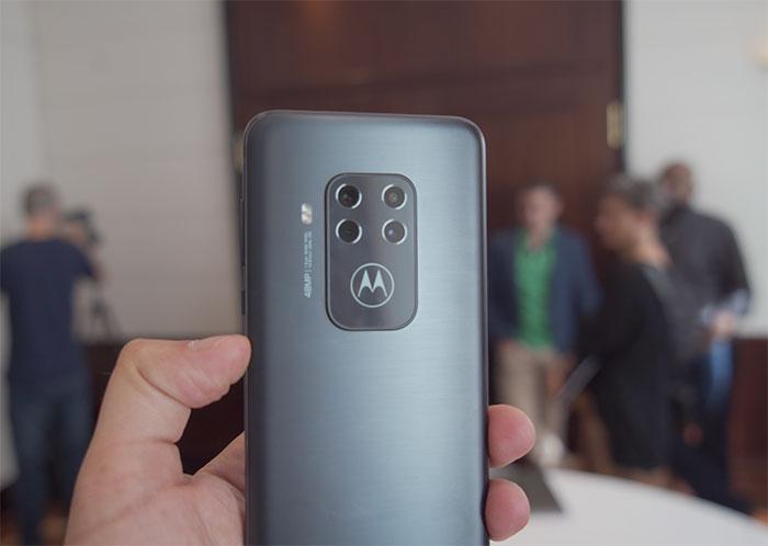 [IFA 2019] Le Motorola One Zoom est officiel et met le cap sur la photo
