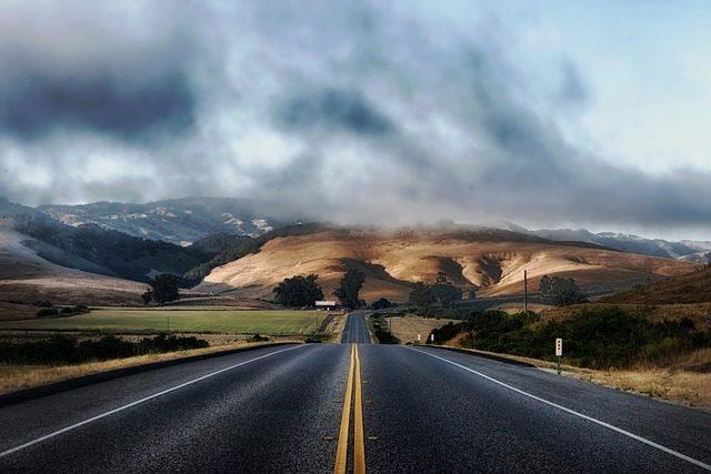 Une route au milieu de nulle part
