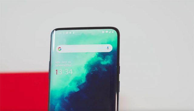 L'écran Fluid AMOLED du OnePlus 7T Pro en pleine action