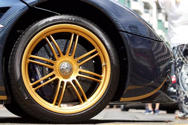 Pirelli développe des pneus intelligents pour voitures connectées 5G qui permettront de surveiller l'état de la route
