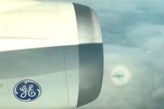 Quand un avion reste coincé dans un arc en ciel