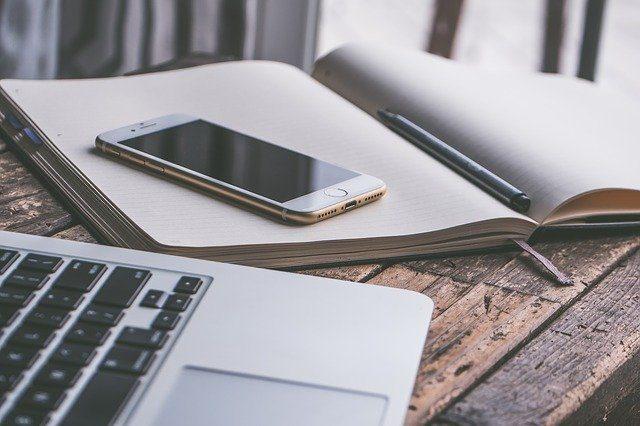 Un iPhone et un Mac, pensés pour fonctionner ensemble