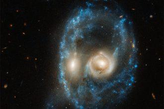 Une drôle de galaxie a été photographiée par Hubble