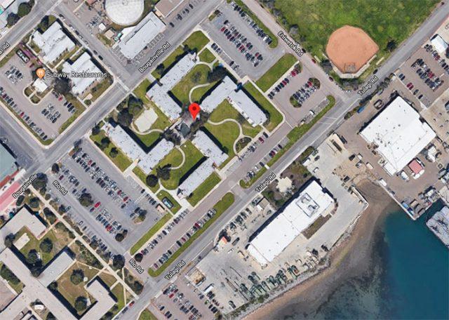 Un bâtiment à la forme étrange dans Google Maps