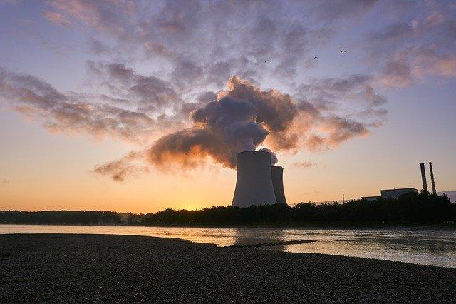 On a terminé la construction du bâtiment du plus grand réacteur à fusion