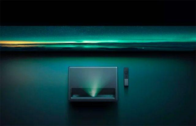 Le Xiaomi Mijia Laser Projector TV 4K en pleine action