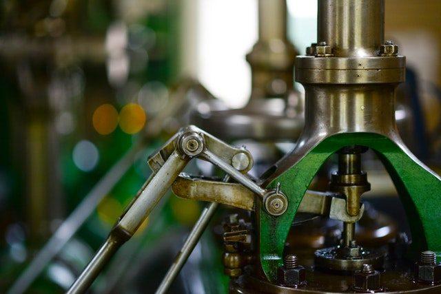 La photo d'une machine dans une usine