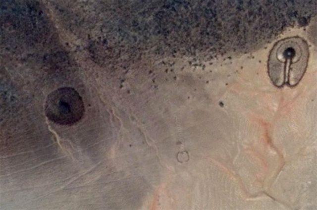 Il y a de drôles de formes dans le désert algérien