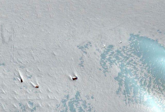 Mais que font ces drôles de structures métalliques au milieu de l'Antarctique ?