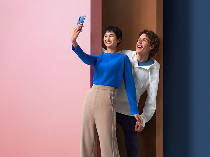 Le Find X2 Neo est l'un des smartphones les plus fins du marché.