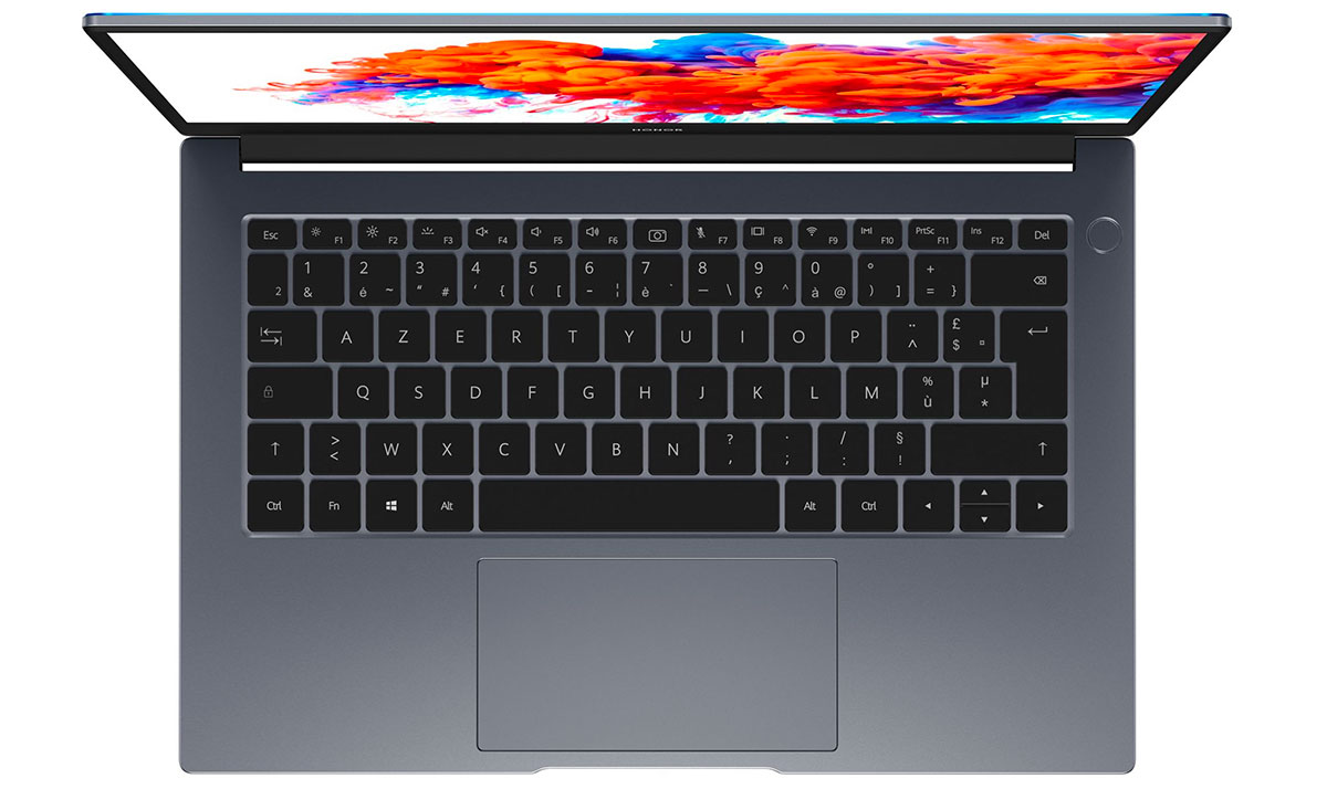Le Honor MagicBook 14 affiche des finitions soignées, et un look très moderne