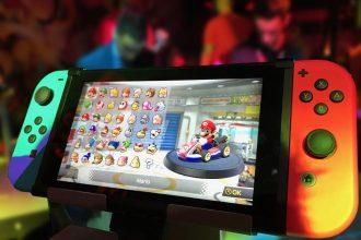Une Nintendo Switch avec Mario Kart 8