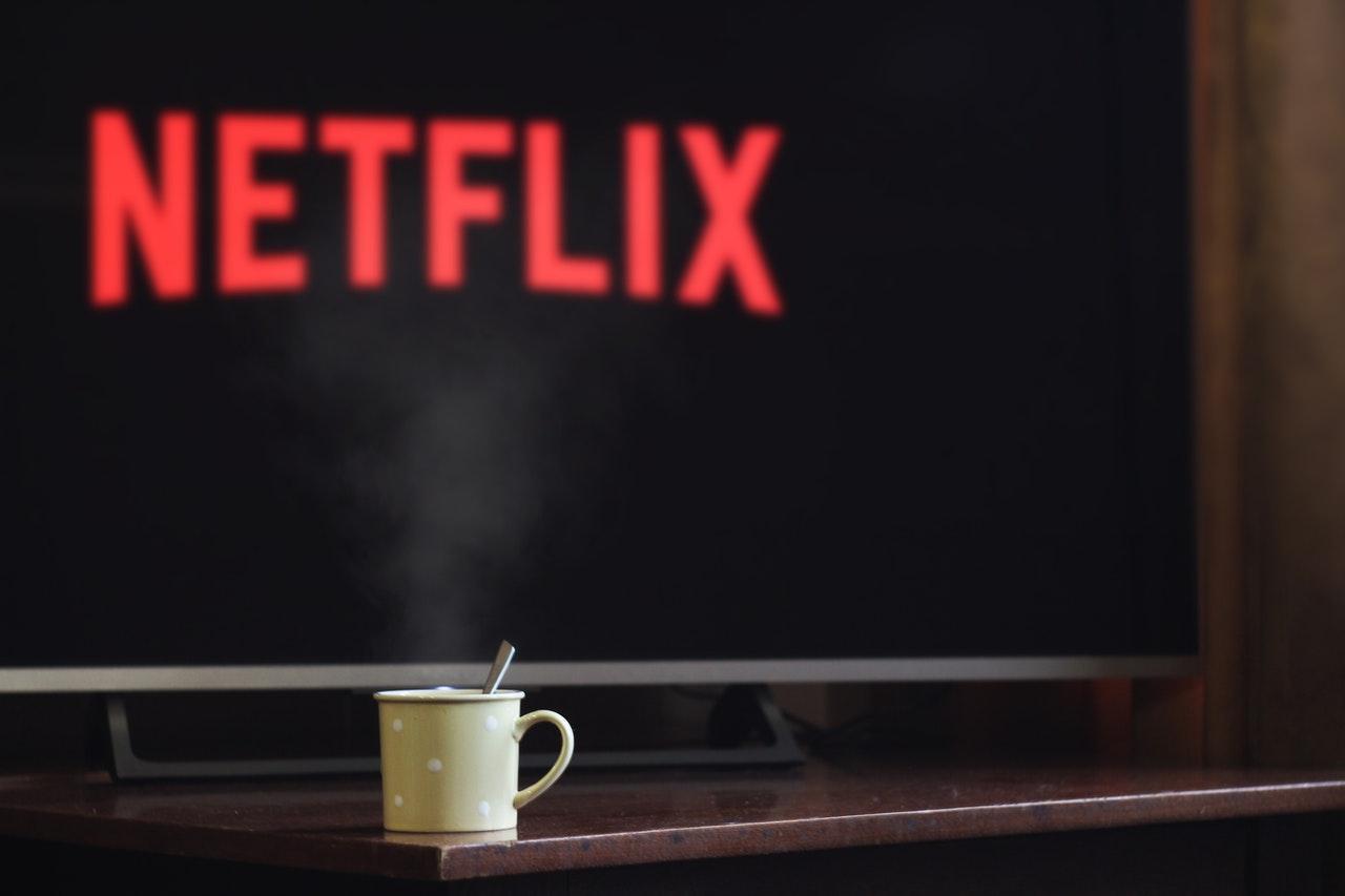 Un petit café devant Netflix