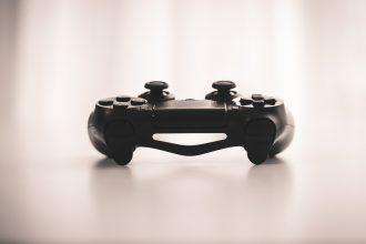 La DualShock 4, qui accompagne la PlayStation 4
