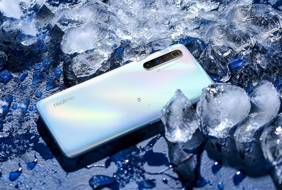 Le Realme X3 SuperZoom en version blanche