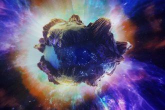 La photo d'un astéroïde voyageant à travers l'espace
