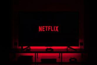 Un téléviseur branché sur Netflix