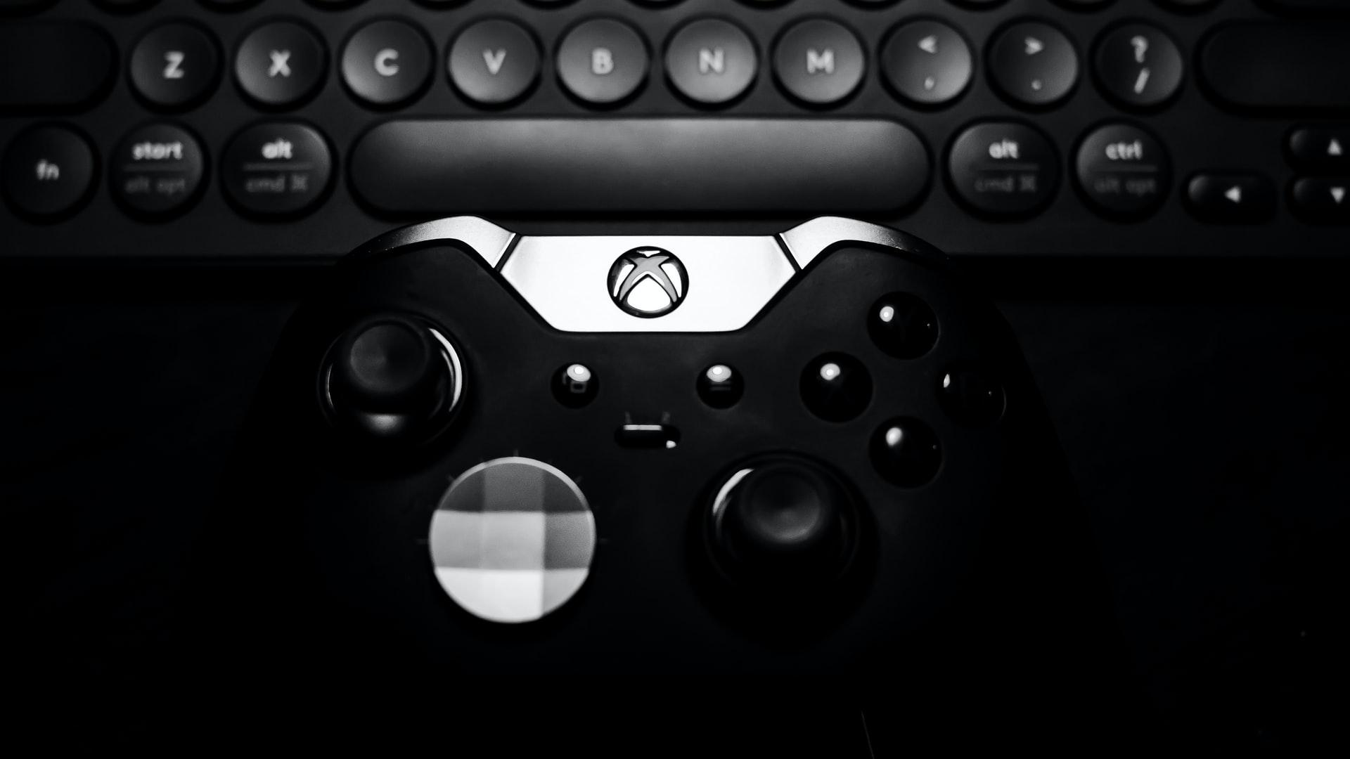 Une photo du contrôleur Elite de la Xbox One