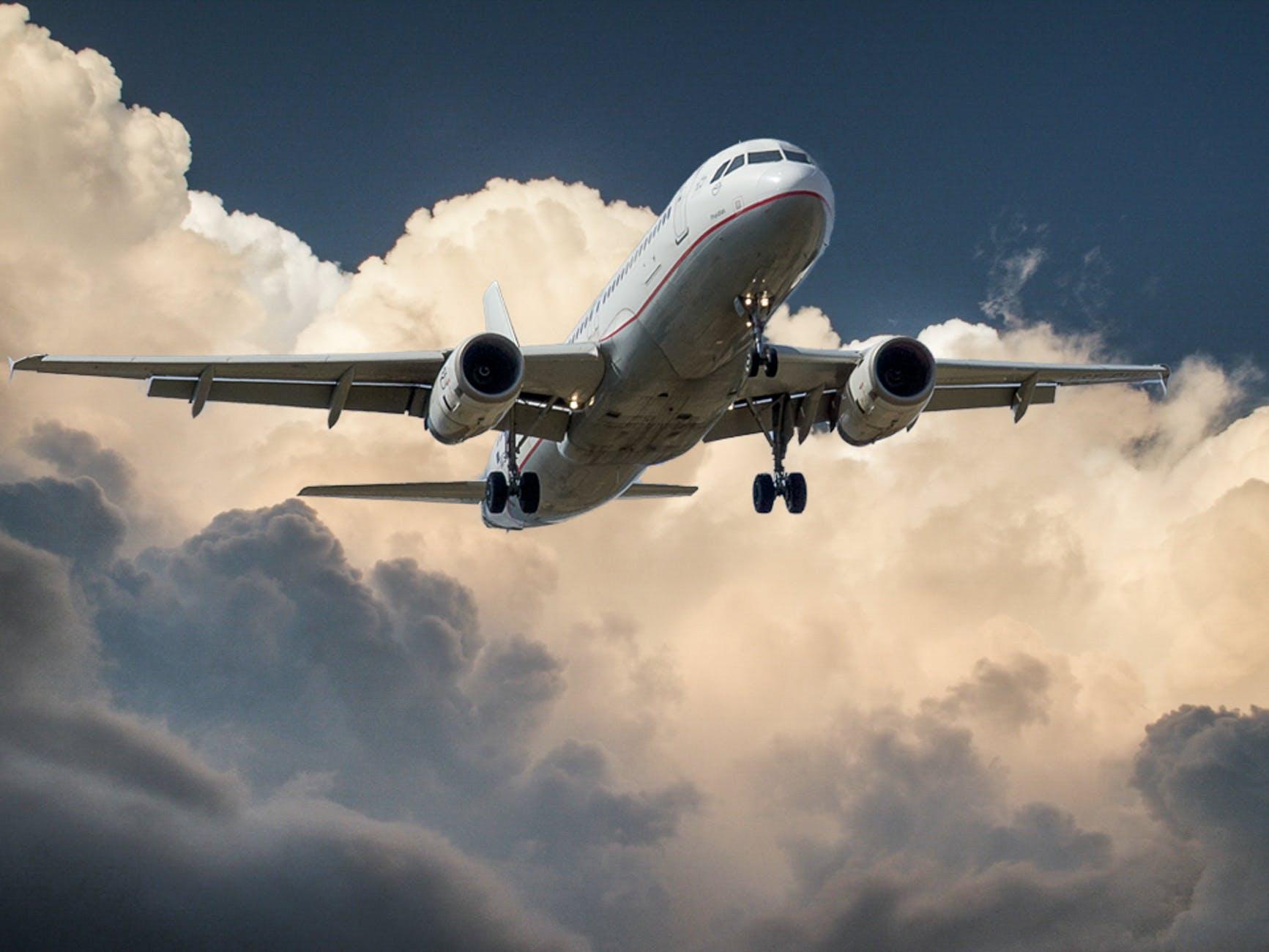 Retour Sur Le Canular De L Avion Qui A Atterri 37 Ans Plus Tard