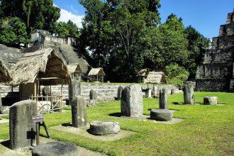 Les ruines de Tikal, ancienne cité maya
