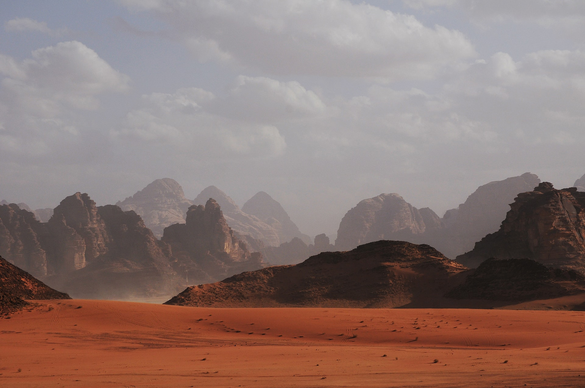 Un paysage évoquant l'aridité de Mars