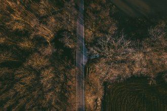 Une vue du sol, prise depuis un drone