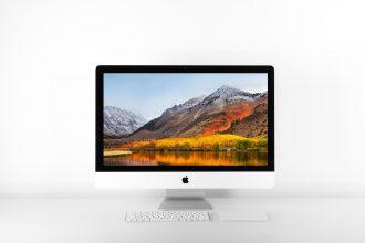 Un iMac posé sur un bureau
