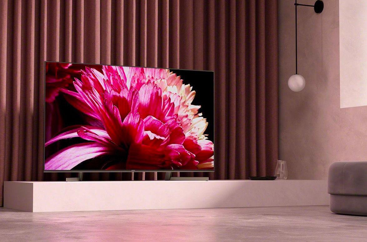 La TV LED Sony Bravia KD55XG9505 dans son habitat presque naturel