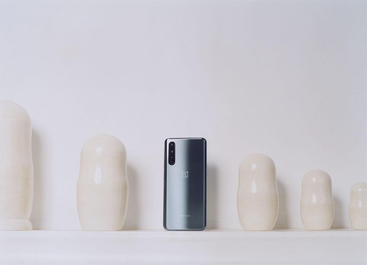 Smartphone milieu de gamme, certes, mais finitions soignées