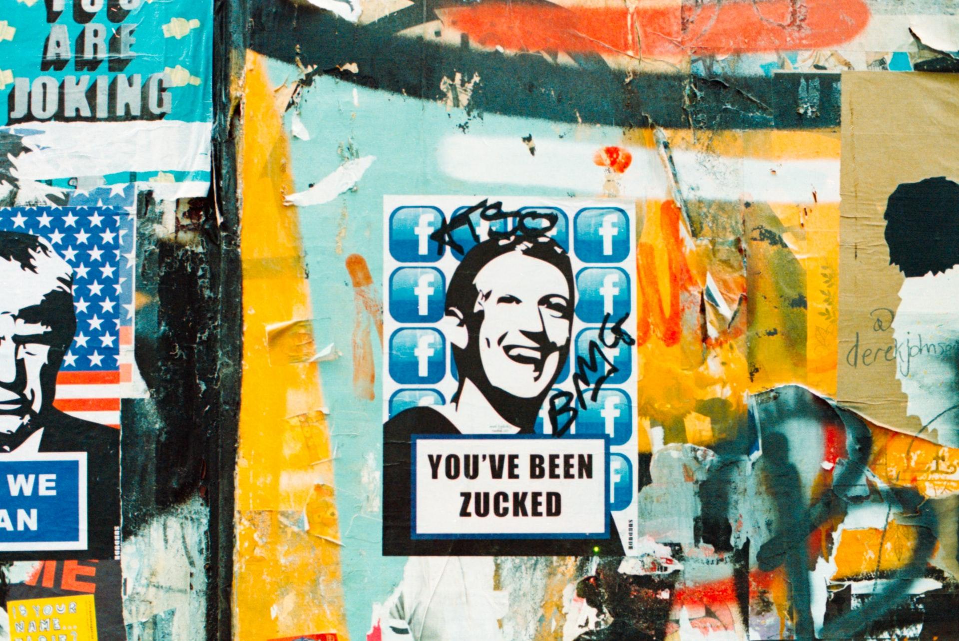 Une graffiti de Mark Zuckerberg