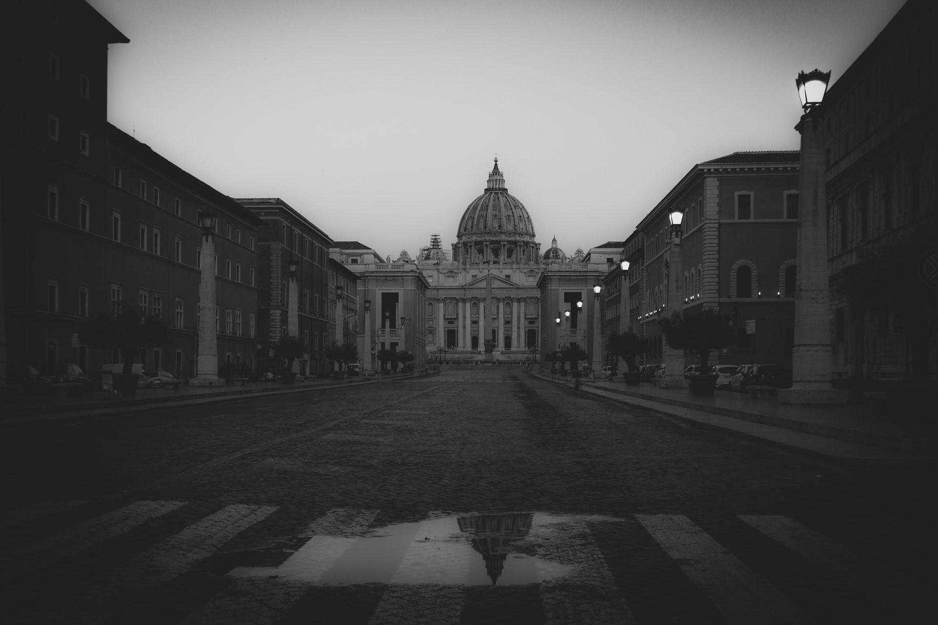 Une photo du palais du Vatican