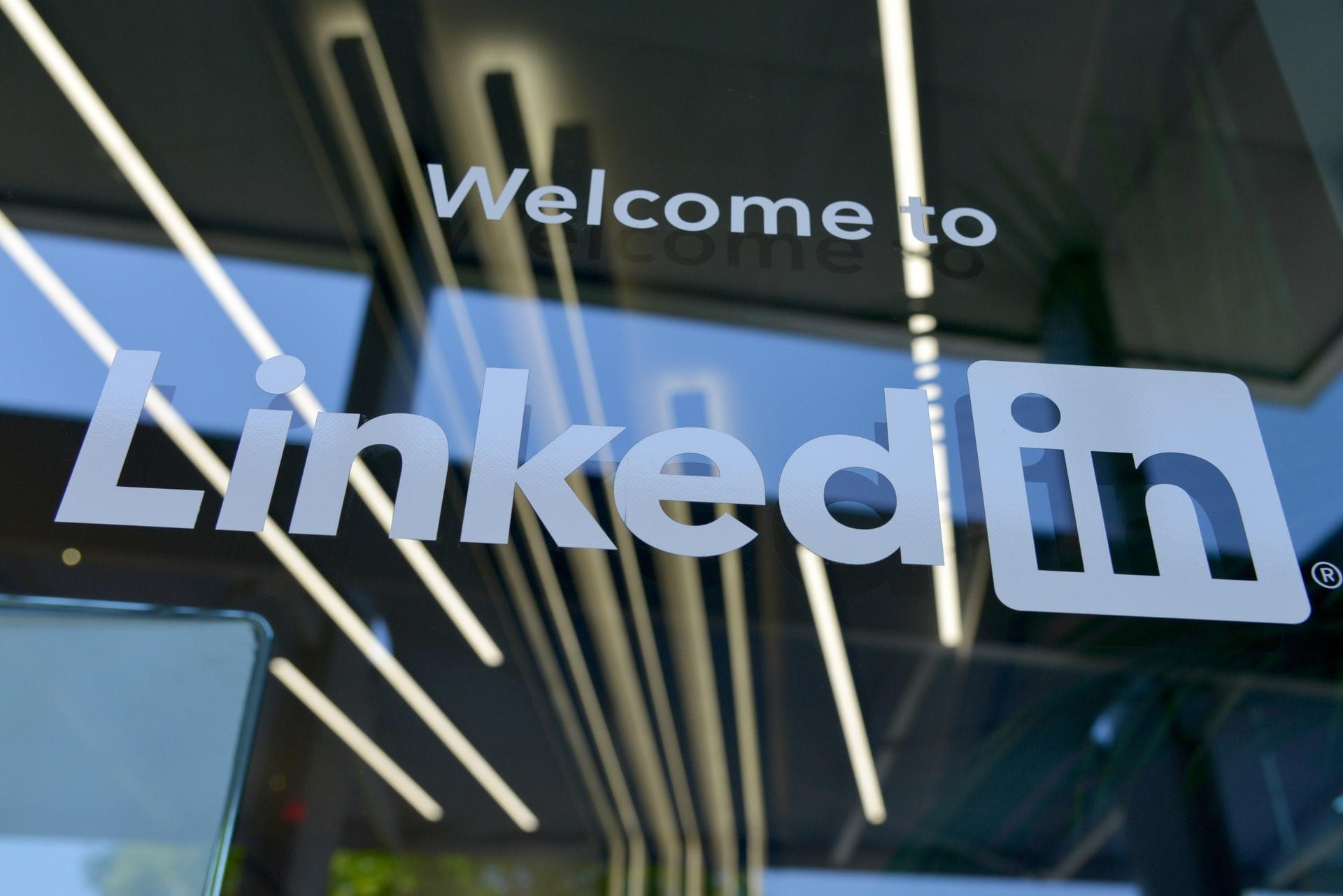 Le devanture d'une filiale de LinkedIn