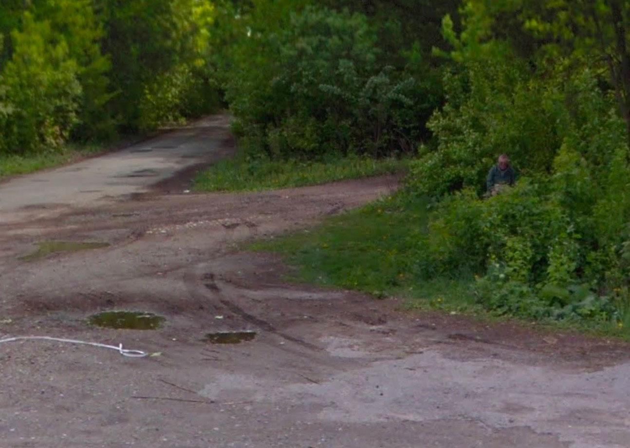 Mais que fait cet homme ici ? - Crédits Google Maps