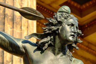 Statue d'une Amazone