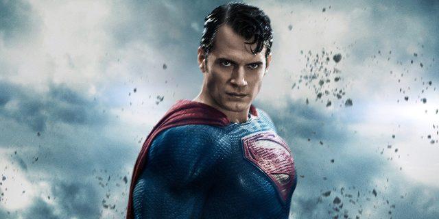 Superman : Henry Cavill aurait rempilé pour trois films