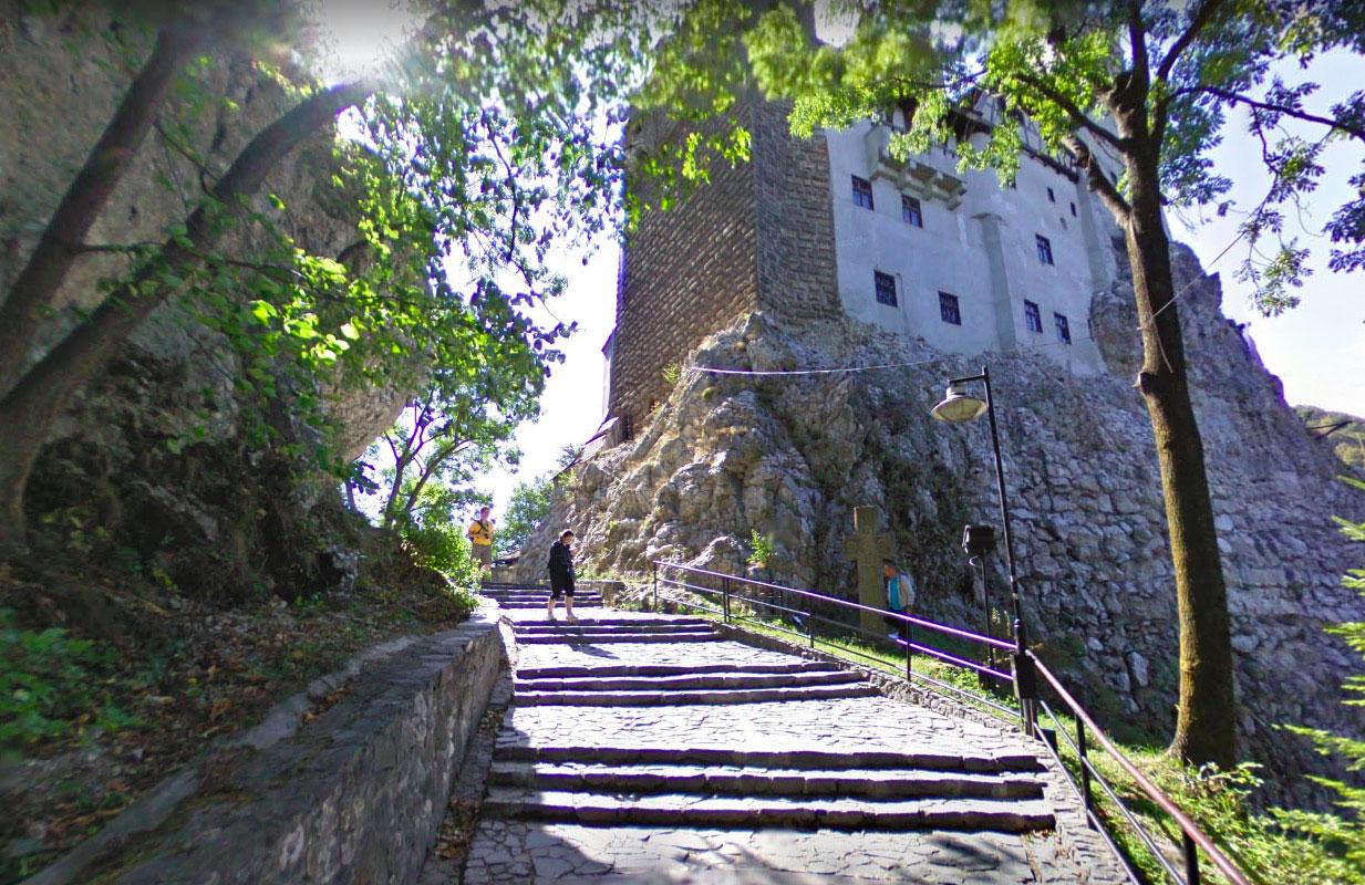 Le château de Bran est souvent associé au mythe de Dracula