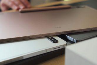 Des Galaxy Tab S7 et S7+ empilées les unes au dessus des autres