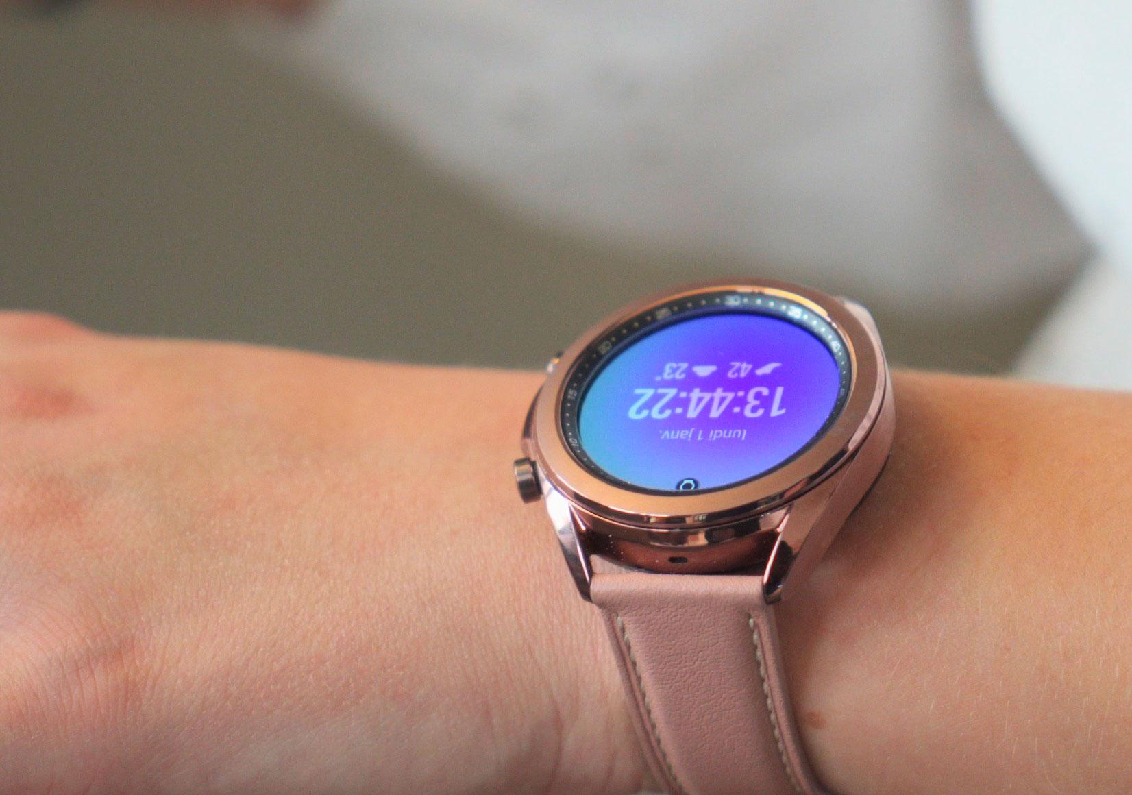 La Galaxy Watch 3 en version bronze