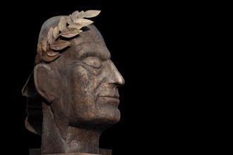 Une sculpture représentant Jules César