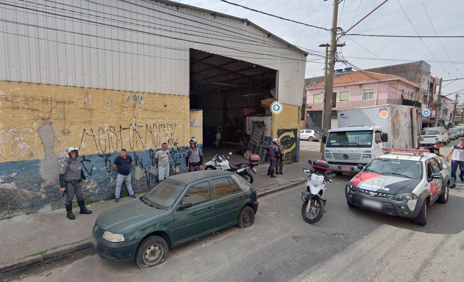 Quand les caméras de Google Street View immortalisent une opération de police