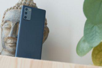Le module photo repose sur la même architecture que celle du Note 20 Ultra, mais pas sur les mêmes capteurs