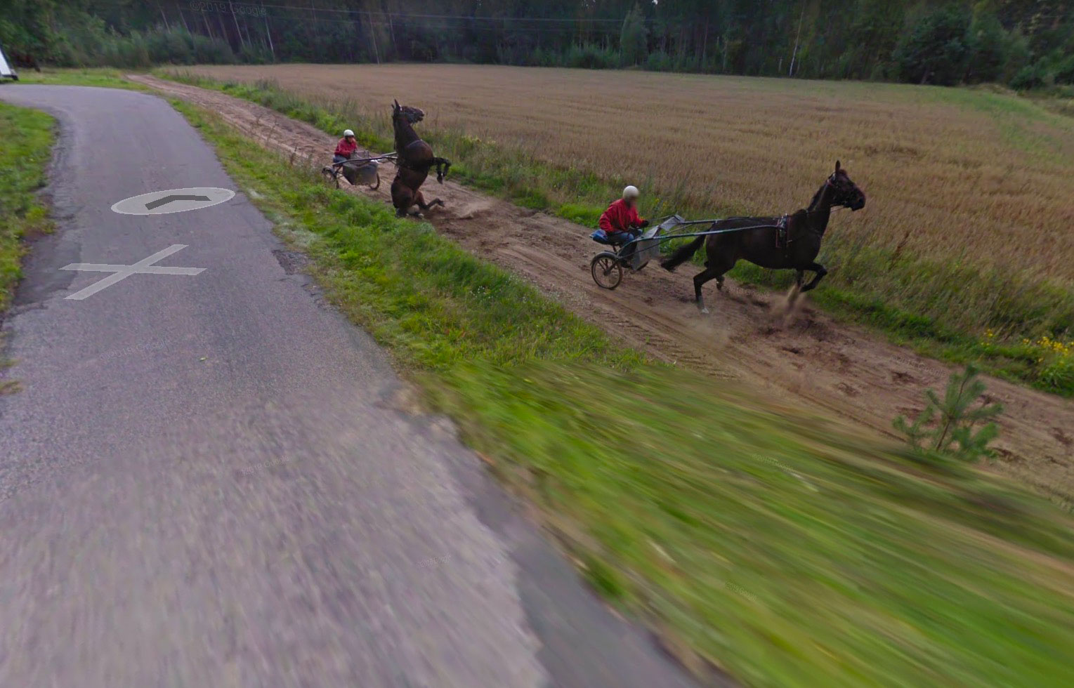 Voici ce qui semble être la première course hippique capturée par les caméras de Google Maps