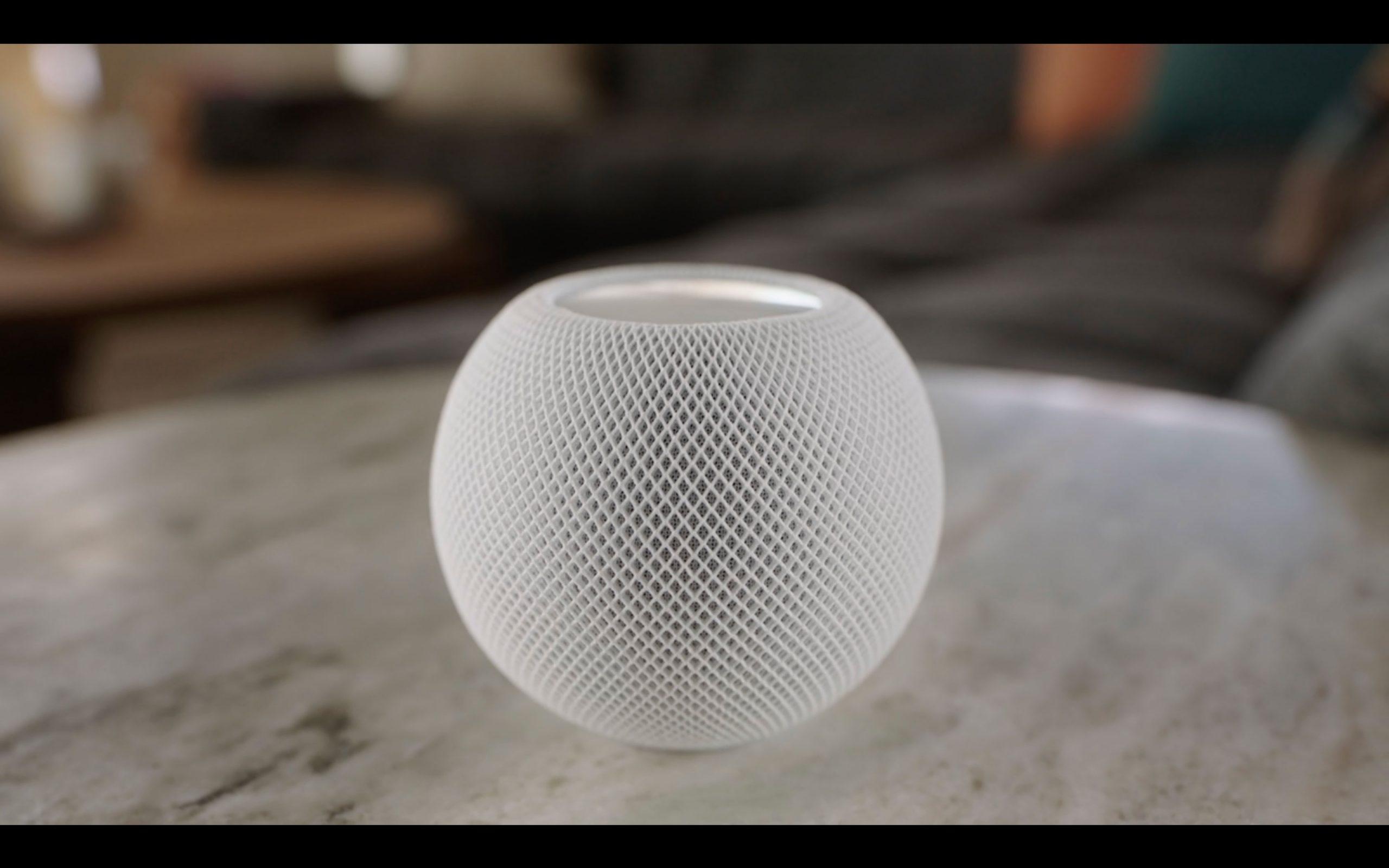 Le HomePod Mini en version blanche