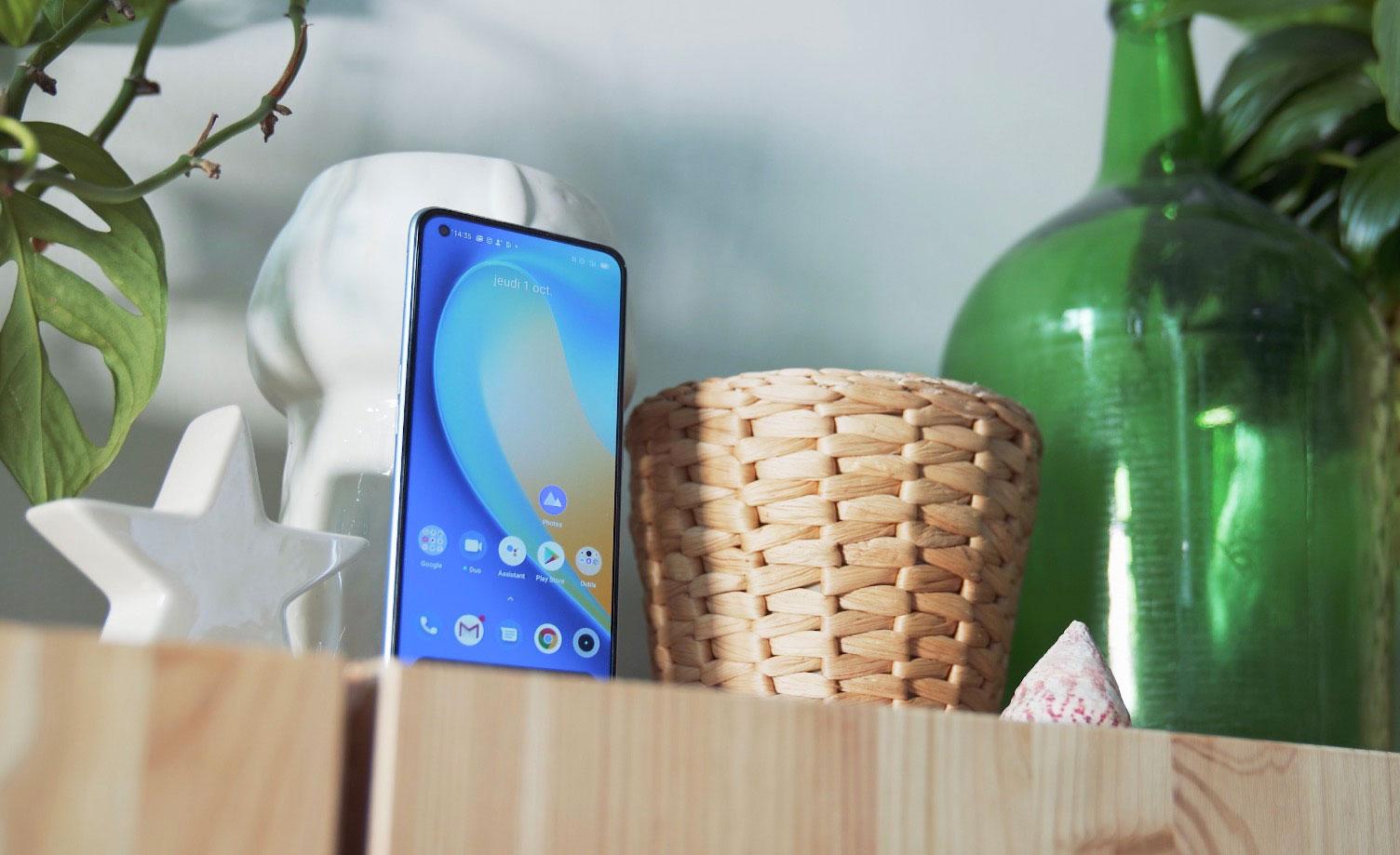 Le Realme 7 Pro est doté d'un bel écran borderless