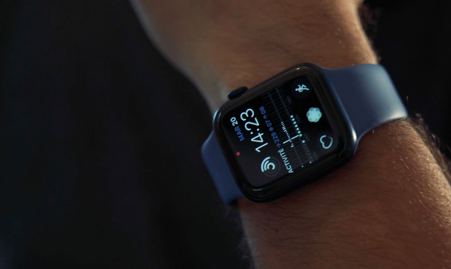L'Apple Watch Series 6 ne change pas de look, mais elle voit arriver de nouvelles couleurs