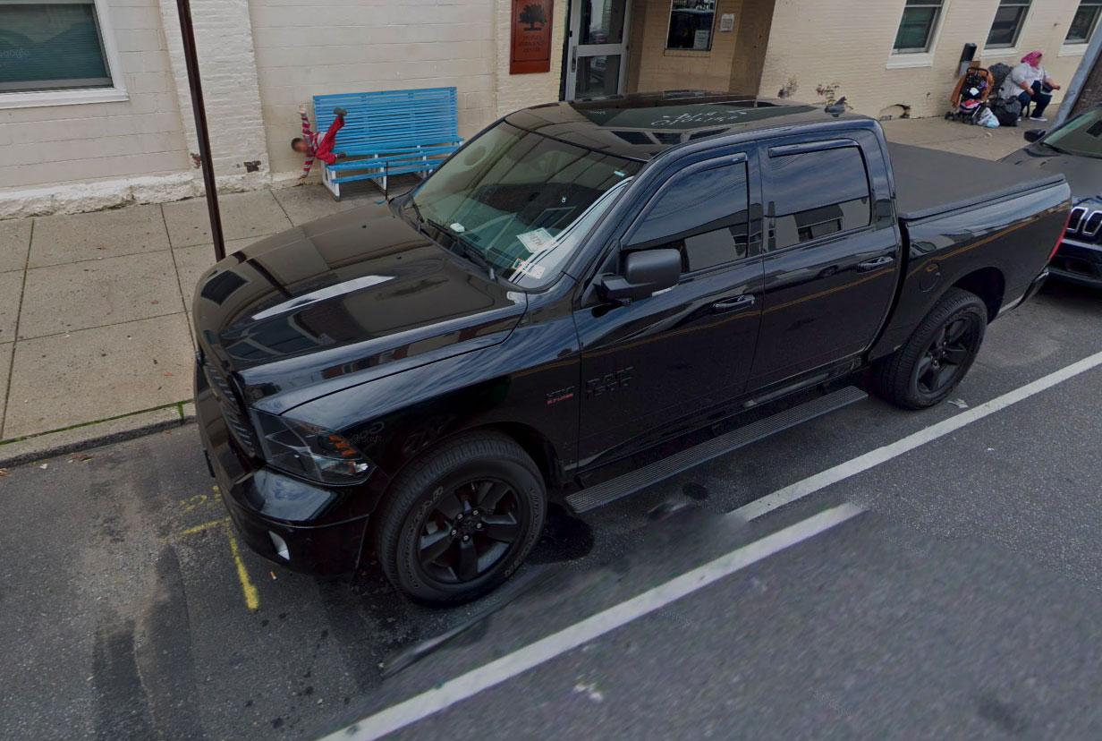 Cet enfant a perdu l'équilibre lors de la passage de la Google Car chargée de modélisée son quartier
