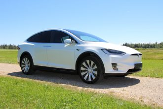 Une Tesla Model X